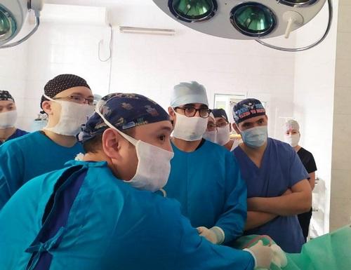 Әлемге танымал хирургтің шеберлік сабақтары